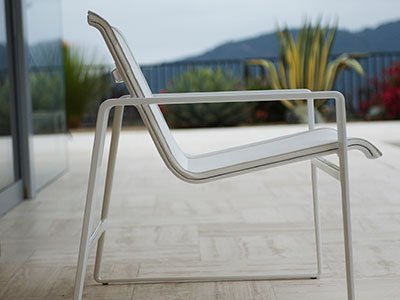 Landscape-Forms-Cochran-Lounge-Chair